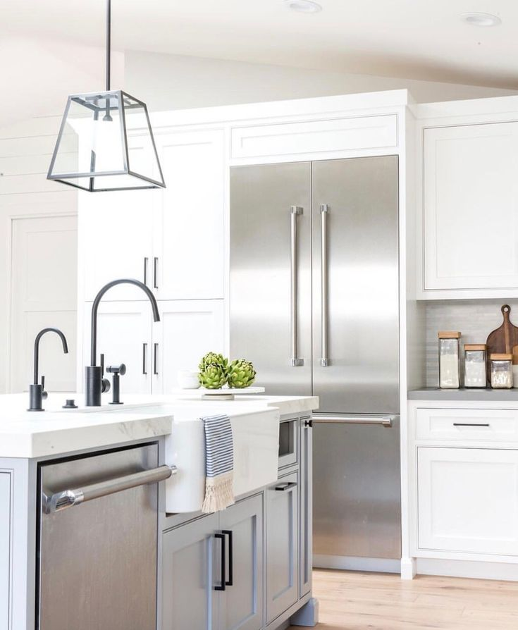 The 25 Best Kitchen Cabinet Molding Ideas On Pinterest: Best 25+ Cabinet Trim Ideas On Pinterest