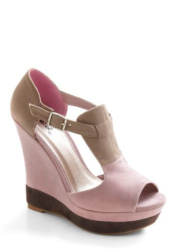 Like neopolitan ice cream...: Dreams Wedges, Neopolitan Dreams, Brown Wedges, Colors, Wedges Shoes, Ice Cream, Shoes Sandals, Cute Love, Retro Vintage