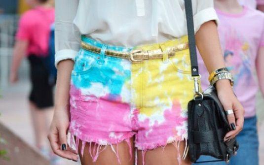 Shorts moda 2017 são os hit do verão, aqui você encontra dicas, fotos e passo a passo para fazer o seu short DIY. Invista sem medo de errar.