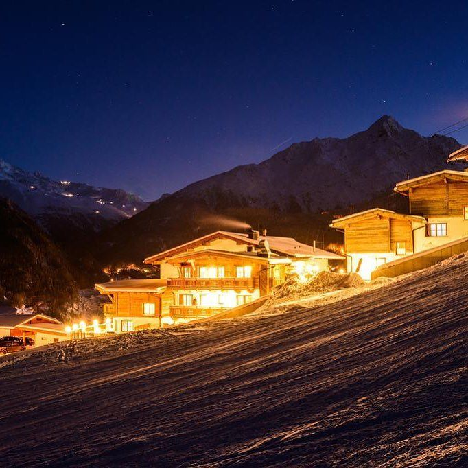 Are you dreaming of winter  nights  like this in our hotel  ?  #gruenwaldresort #soelden #sölden #oetztal #ötztal #skiing #skifahren #skiinskiout #direktanderskipiste #chalet #vacation #outdoors #outdoorsport #holiday #urlaub #alpen #alps #snowboarding #snow #travel #loveit #loveskiing #nature #travelling #hotel #winter #wintertime #beautiful #travelgram #instatravel
