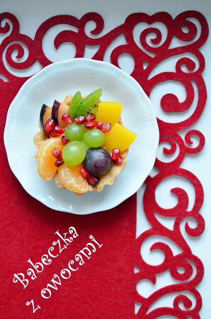 Taste me! Eat me!: Kruche babeczki z owocami i aksamitnym kremem