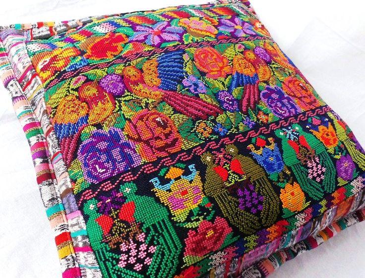 kussen+bloemen+borduurwerk+vogel+hippie+ethno+boho+van+NEWMEXICAN+op+DaWanda.com