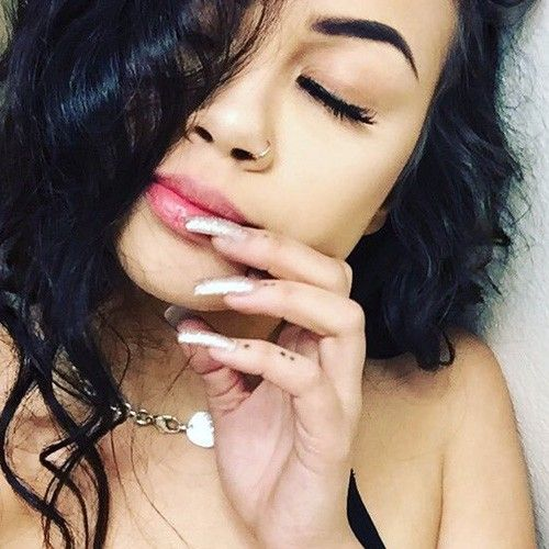 Arzaylea Dots Knuckle Tattoo | Steal Her Style