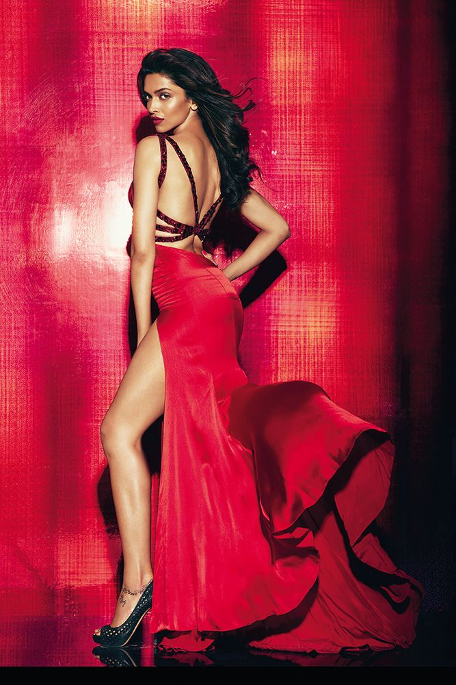 Deepika-Padukone-Hot-Pictures-BOLLYONE-COM (34)