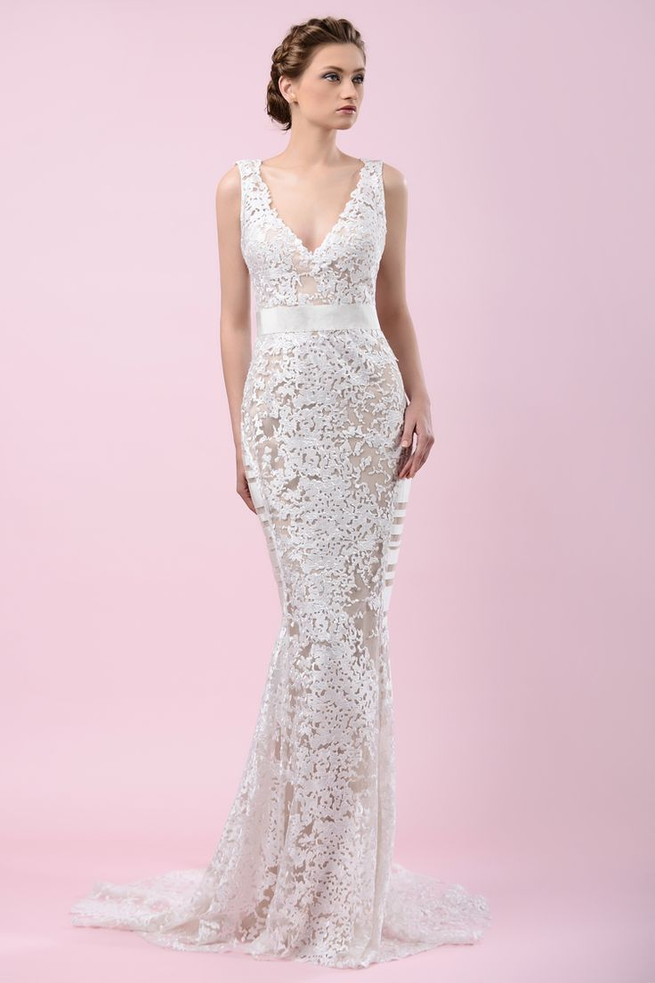 W16 4202 | Available at Pearl Bridal House