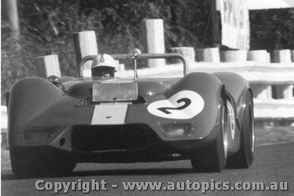68422 - Ian Cook - Elfin Repco V8 Sandown 1968 - AUTOPICS