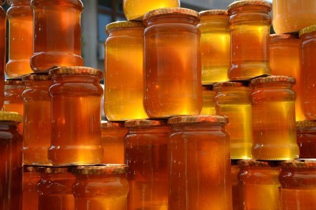 I rimedi di bellezza a base di miele: idrata la pelle e nutre i capelli.