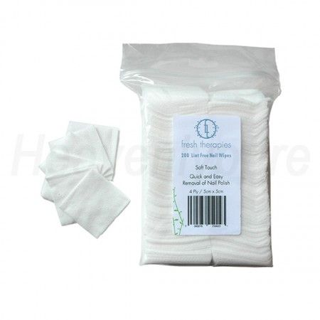 We just love these natural cotton wipes from Fresh Therapies! Only €3,95  http://www.heavenlypure.com/product/nagellak-remover-doekjes/
