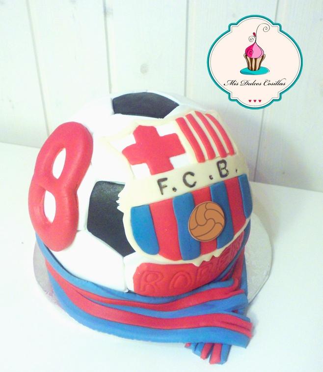 tarta de chocolate en forma de balón de fútbol del barcelona
