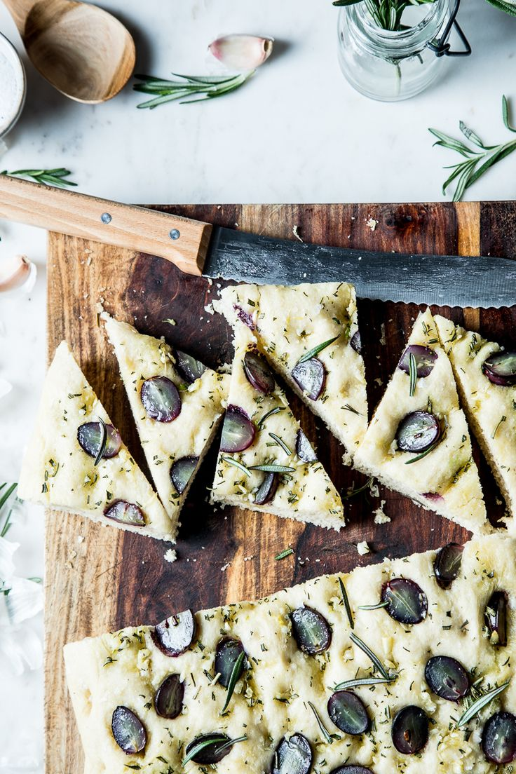 Flourishing Foodie: Focaccia with Rosemary and Grapes