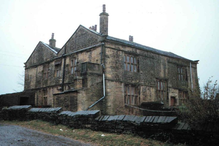 I think my Ancestors are down as living here on the 1851 census. I've been trying to find info - It's nice to see a picture. Leventhorpe Hall, 1289 and 1291, Thornton Road, Lower Grange, 1289 and 1291 Thornton Road, Lower Grange, Bradford, Bradford, West Yorkshire