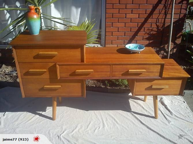 Atomic Dresser... is this AMAZING or what?