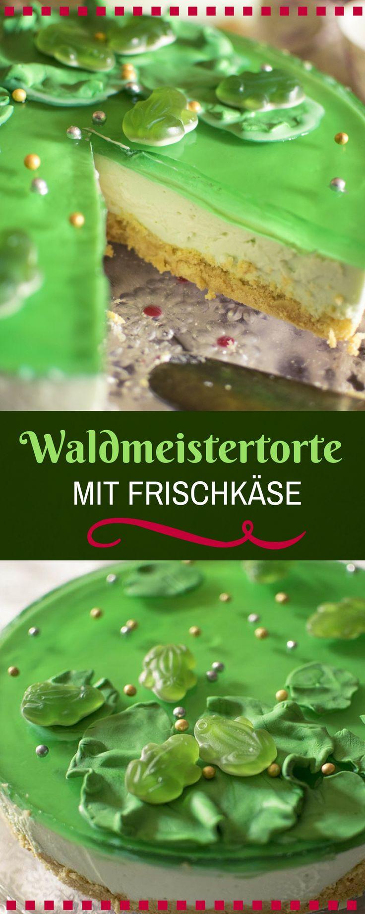 Waldmeister-Frischkäsetorte mit Götterspeise und einem Krümelboden aus Löffelbiskuit. Einfaches uns leckeres Tortenrezept für den Sommer oder Frühjahr.