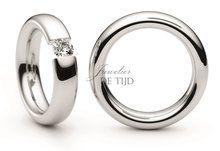 Platina trouwringen met briljant geslepen diamant