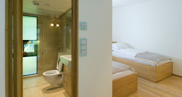 LAERDAL - interior bathroom and bedroom