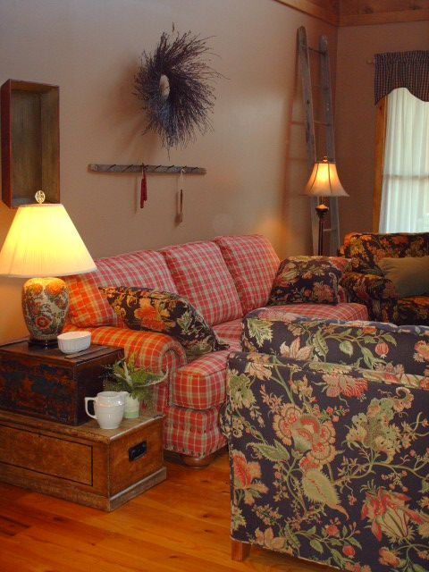 Primitive Country Decorating Ideas | Country/Primitive Living Room Mix Of  Patterns   Floral +