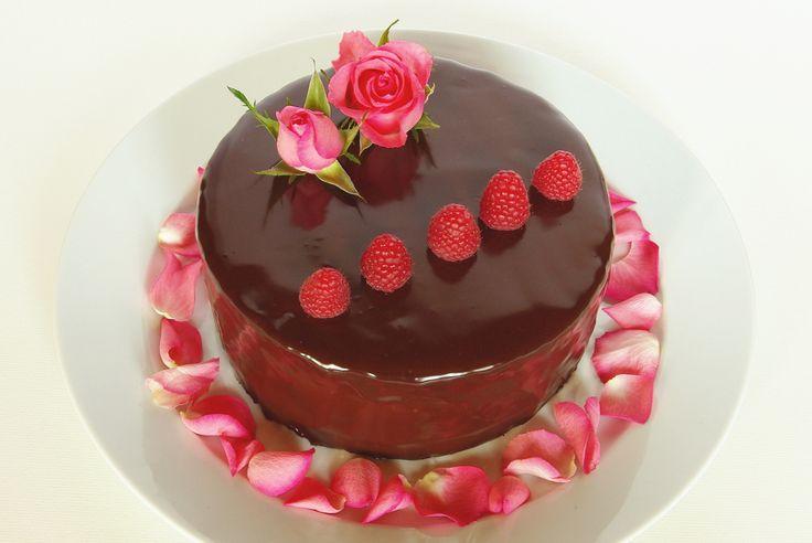 Božský čokoládovo-malinový dort