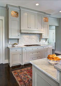 I love the rug choice. Cabinets are painted in Benjamin Moore OC-52 Gray Owl. #BenjaminMoore #OC52 #GrayOwl