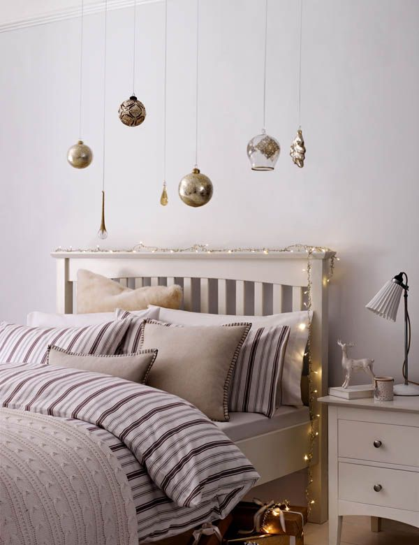 66 Inspiring Ideas For Christmas Lights In The Bedroom Part 86