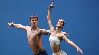 "Dmitry Semionov und Polina Semionova tanzen, 2010, eine Szene aus ""Le Corsaire""."