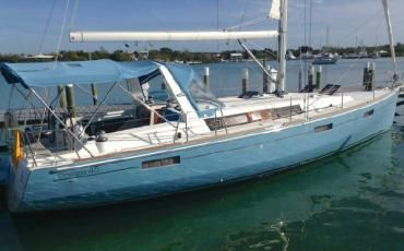 45' Beneteau: Lovely Three Cabin Light Blue gel coat hull with Generator, Air Conditioning and a full array of Electronics.