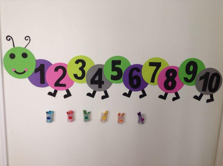 Gusano (números) + botes (colores)
