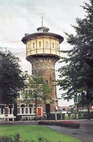 de oude water toren jammer hij is fut.