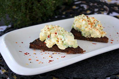 Яичный салат с сельдереем