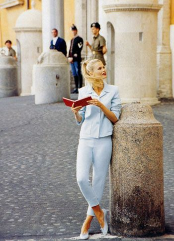 The Look: Roman Holiday - Claudia Schiffer photographed by Arthur Elgort for Vogue December 1994