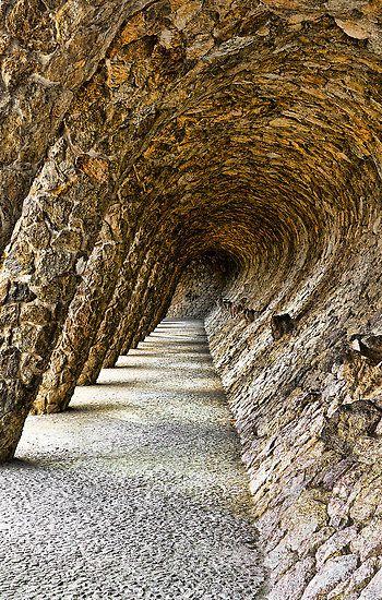 Parque Güell, diseñado por Antonio Gaudí es el parque más famoso de Barcelona