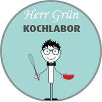 Herr Grün Kochlabor - Rhabarbersirup
