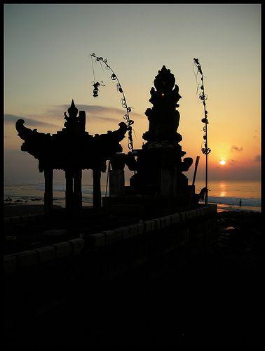 << Sanur beach, Bali>> I'll be Sanur tomorrow evening.I'm so excited to greet 2013 in BALI! kt