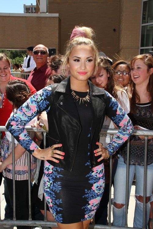 Demi LovatoPhotos, Demi Lovato 3, Nails Tattoo, Style, Rhode Island, Hair Nails, Factor, Lovato Head, Tattoo Lov