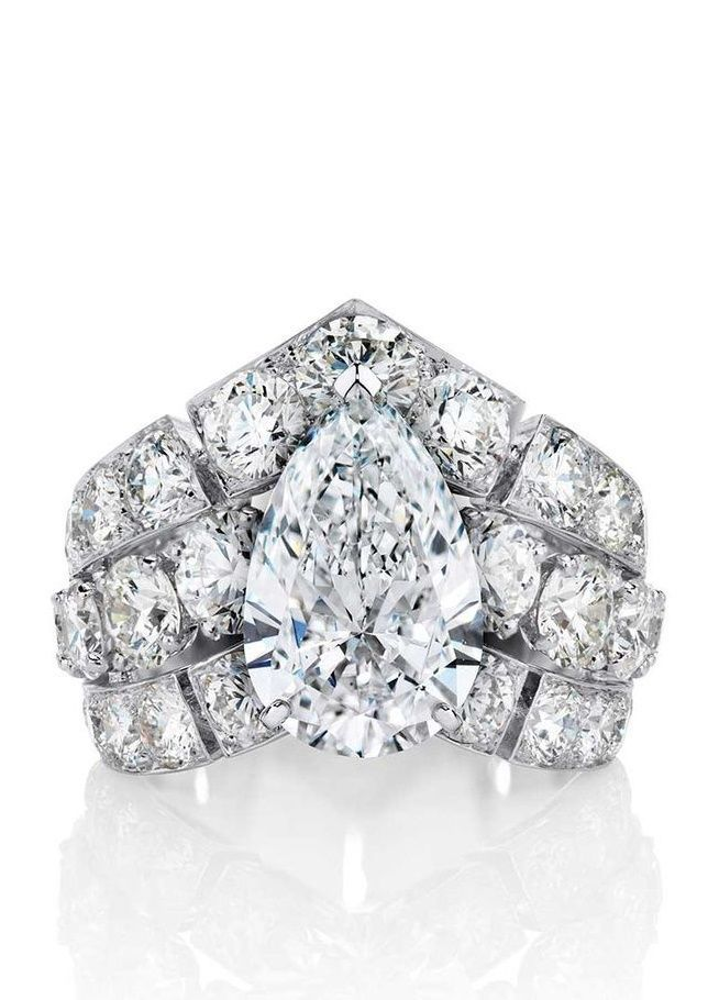 De Beers Phenomena Frost oval-cut diamond engagement ring, set with diamonds totaling more than 8ct.