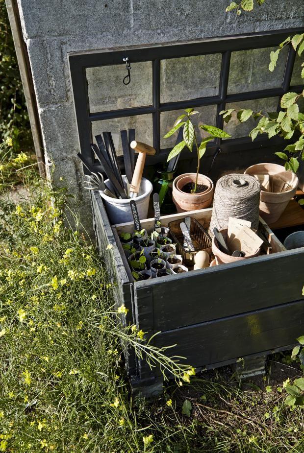 Minidrivhus. Garden CraftsGarden PotsSecret ...