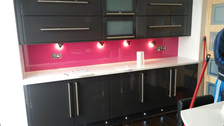 Kitchen Splashbacks made to order in a range of colours and sizes.