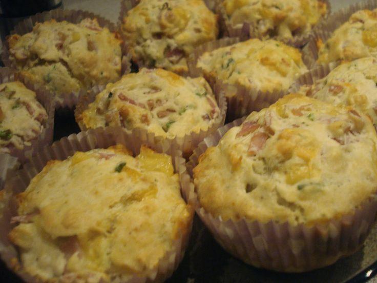 Pudełko rozmaitości: Muffiny z szynką i żółtym serem