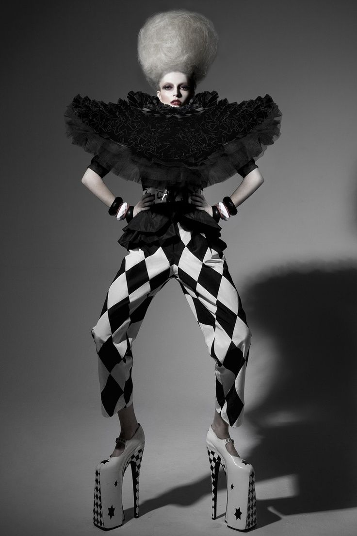 Clown :: Pierrot and Harlequin Fashion | Night Circus - Fancif