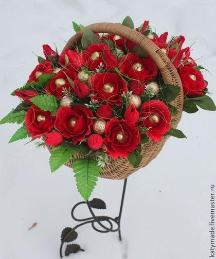 Красные розы .......букет из конфет - ярко-красный,букет из конфет,сладкая корзина