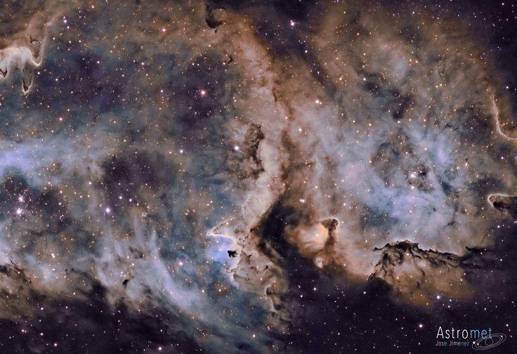 La imagen del día de la NASA hoy tiene origen español. Esta es la Nebulosa del Alma, a unos 6.500 años-luz de distancia del Sistema Solar. Foto de José Jiménez Priego. #astronomia #ciencia