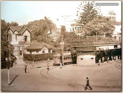 Centro , próximo ao Mercado Público, nas antigas estações do bonde (atualmente algumas lancherias funcionam no local)