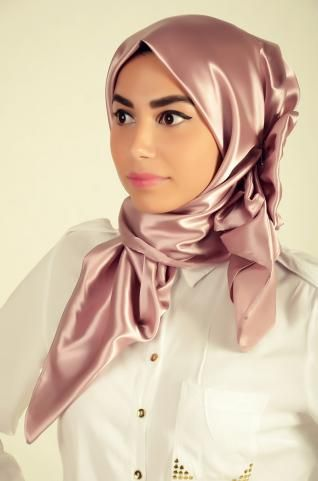 Gorgeous  party #hijab, maintains your modesty and makes you look glamorous at the same time.