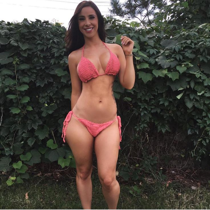 A true shemale beauty with a cock that cums a 5