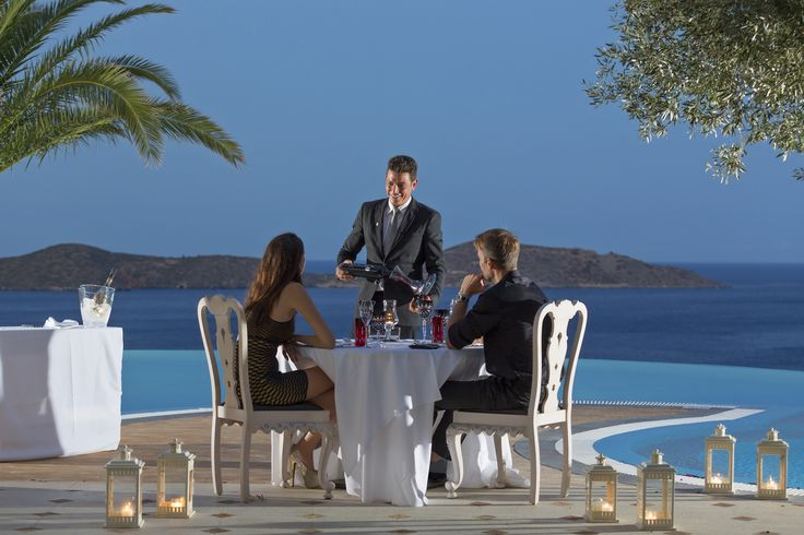 Would it be really romantic a private dining by the pool? #eloundagulfvillas