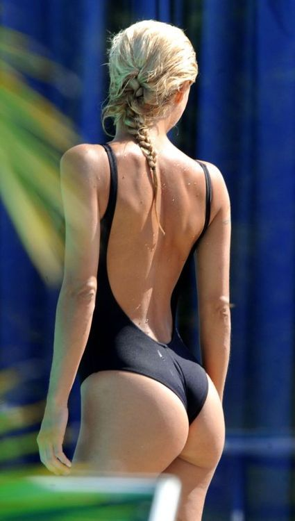 Tiny Bikini Bounce Homemoviespins