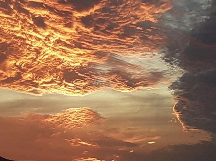 سماء إليزي صورة الطيب مشور صح سحوركم وليلتكم طيبة Celestial Clouds Sunset