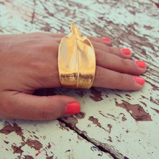 Thallo Gold Leaf Ring