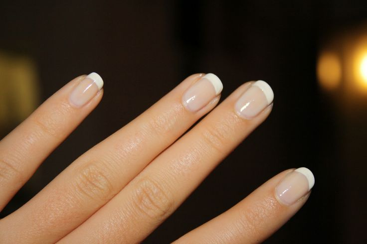 kurze French Nails