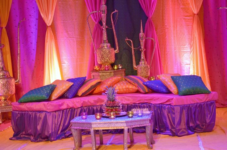 Best 25 mehndi stage ideas on pinterest mehndi stage for Arabic stage decoration