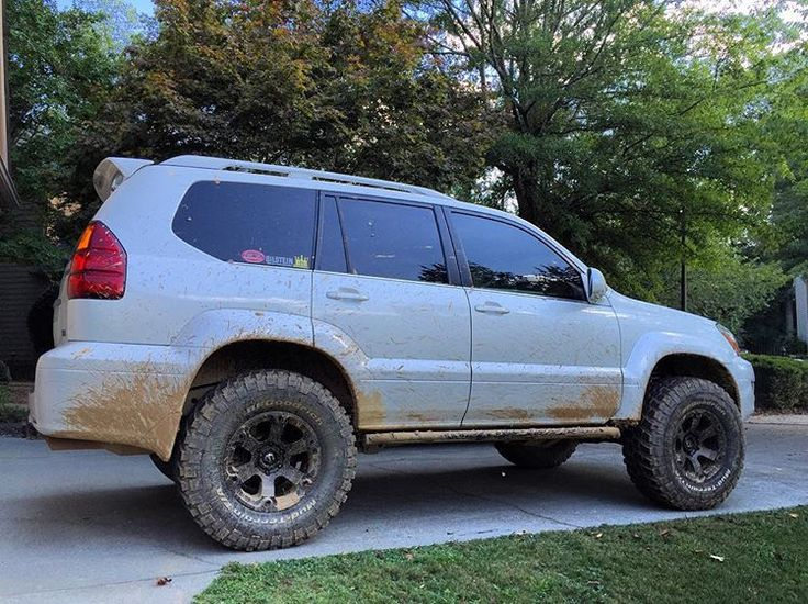 Yes it sees dirt from time to time...lol #lexus #gx470 #lexotic #lexotic_atlanta #lexoticcrew #teamlexotic #gxor #gx470offroad #toyteclifts #fuelwheels #bfgtires #bilstein #demellooffroad #metaltech #offroad #dailydriven #lifted #mudtires #luxuryoffroad